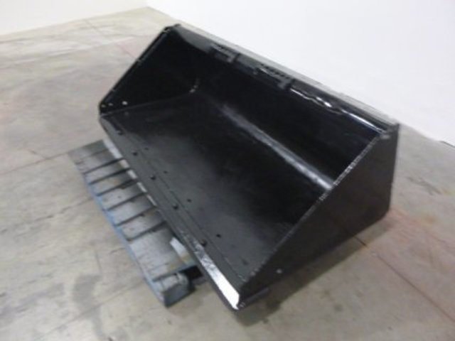 Universal 67 INCH SMOOTH BUCKET