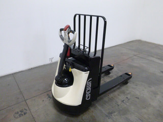 Crown wp3035 45 electric pallet jack for Motorized pallet jack rental