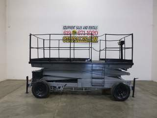 Rough Terrain RT SCISSOR LIFT