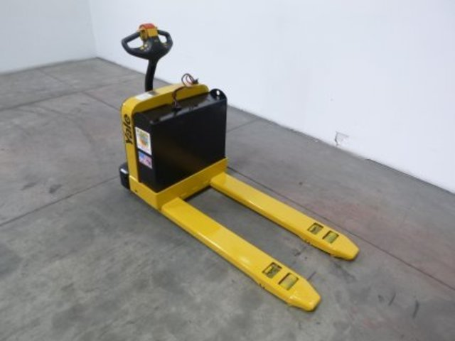 Yale 4 000lb mpb040 electric pallet jack for Motorized pallet jack rental