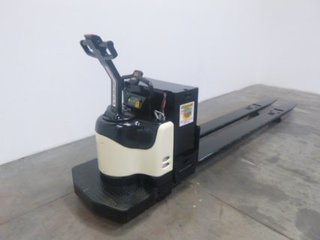 Crown 8 000lb pe4500 electric pallet jack for Motorized pallet jack rental